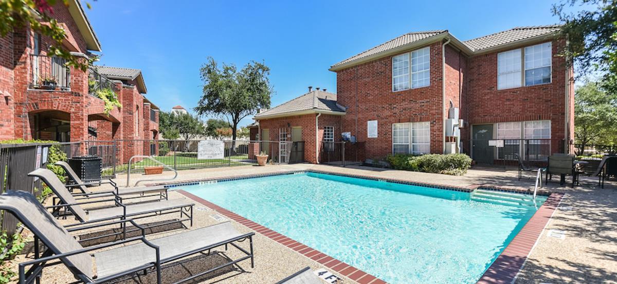 Pool at Listing #137600