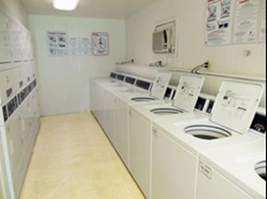 Laundry at Listing #139958