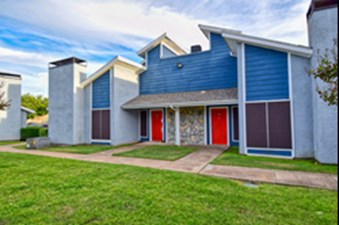 Exterior at Listing #136387