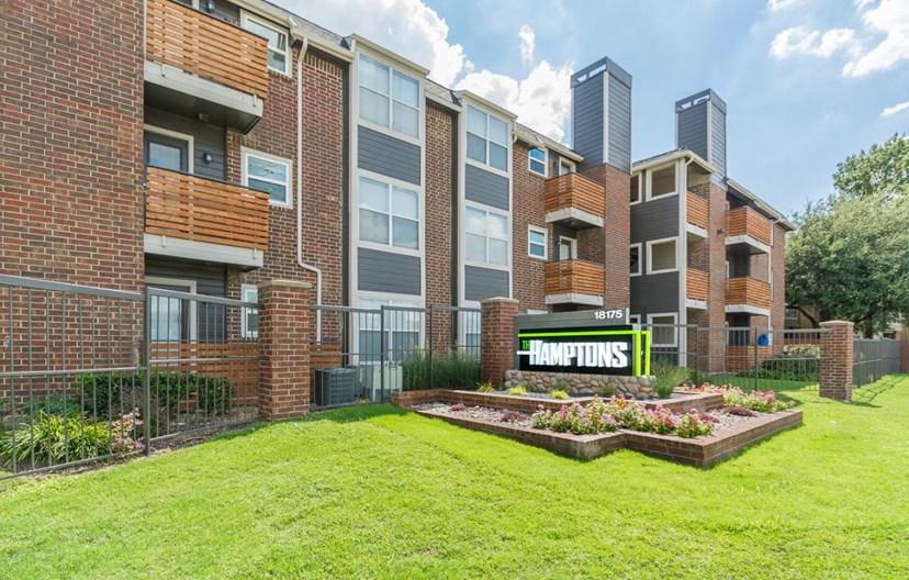 Hamptons Apartment Homes