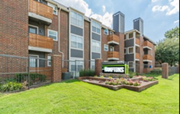 Hamptons Apartment Homes at Listing #135961
