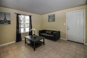 Living Room at Listing #136551