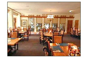 Dining at Listing #141467