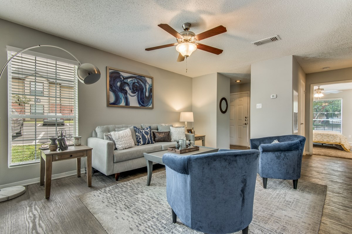 Living at Listing #141385