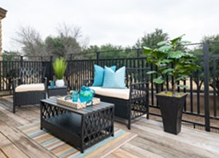 Lounge at Listing #137266
