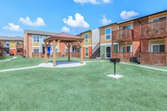 Courtyard at Listing #139007