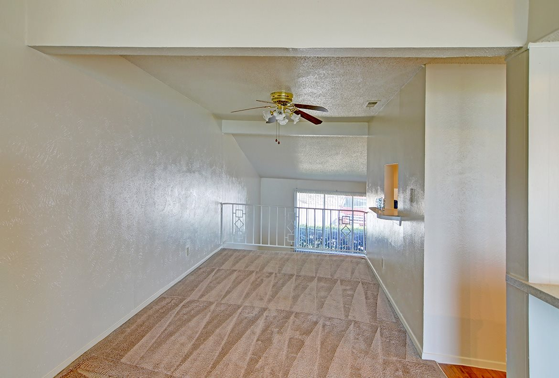 Loft at Listing #138023