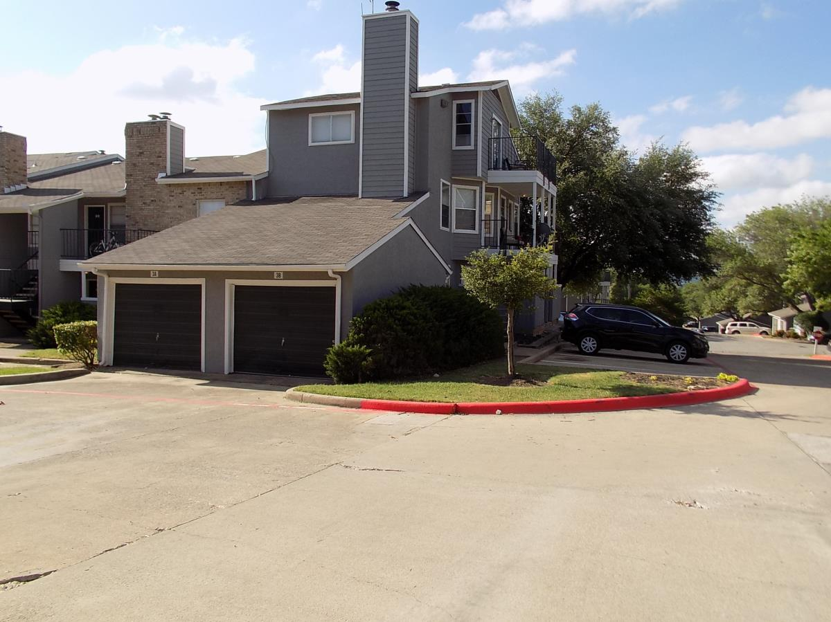 Exterior at Listing #137210