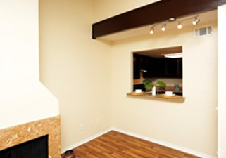 Dining at Listing #135774
