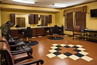 Salon at Listing #147490