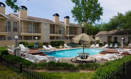 Pool at Listing #138510