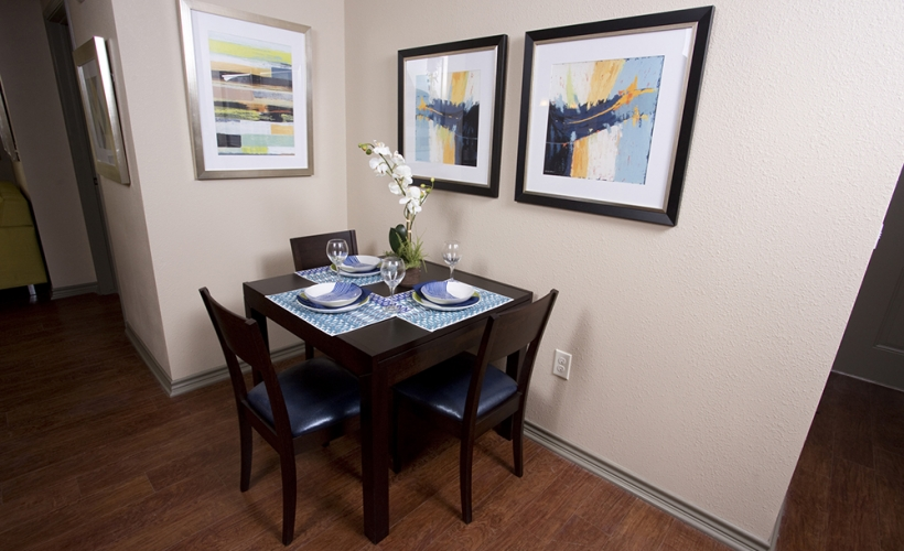 Dining at Listing #235816