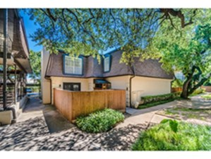 Exterior at Listing #137160