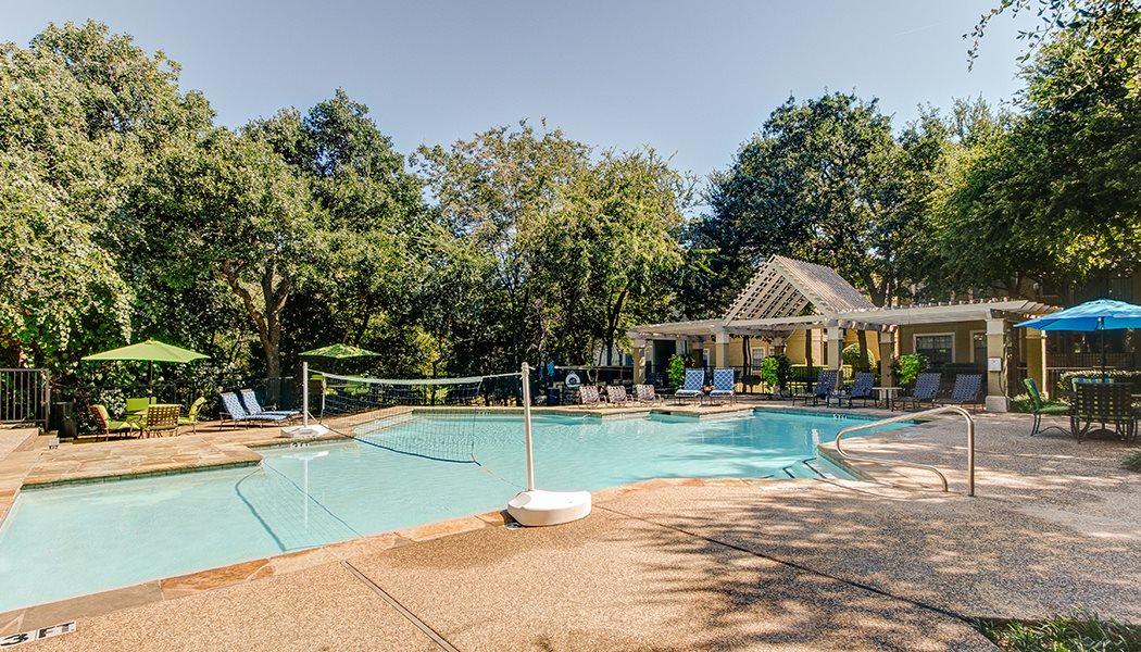 Pool at Listing #137424