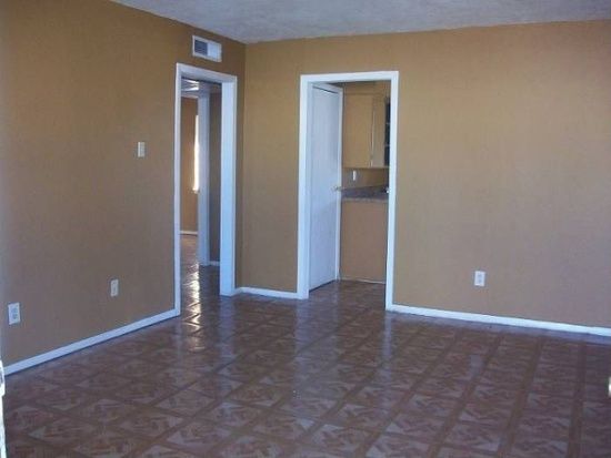 Bedroom at Listing #137471