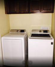Laundry at Listing #139592