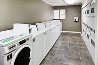 Laundry at Listing #140291