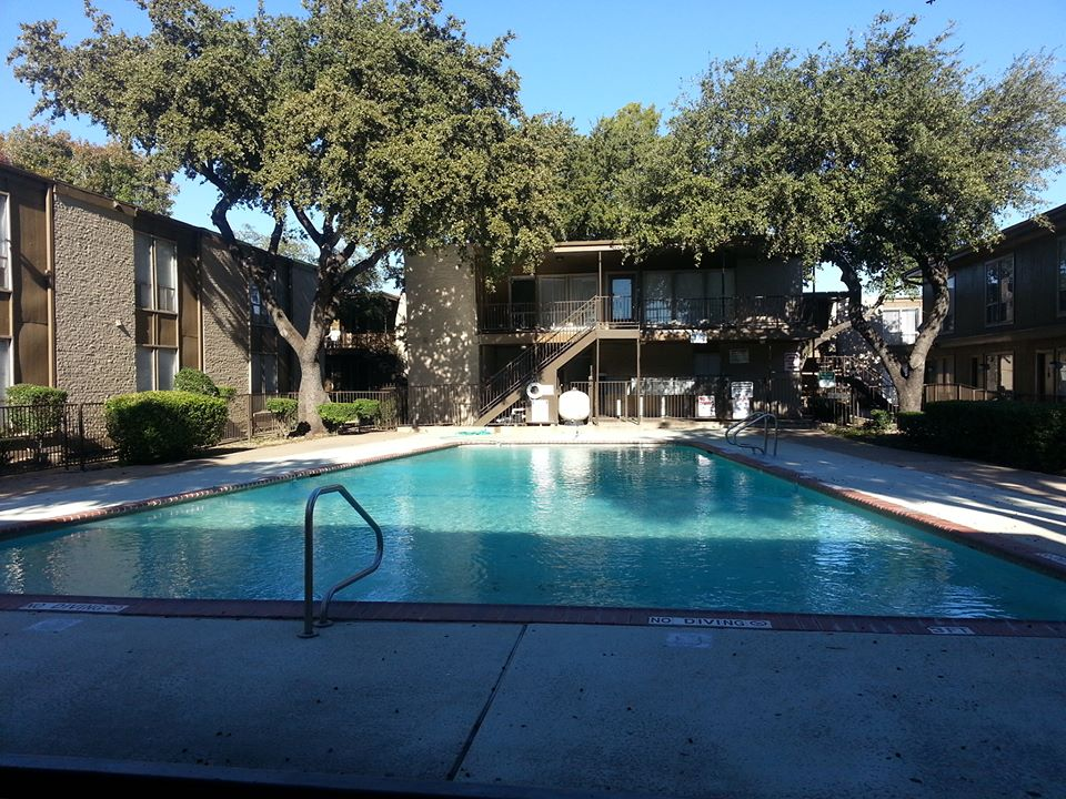 Pool at Listing #137222