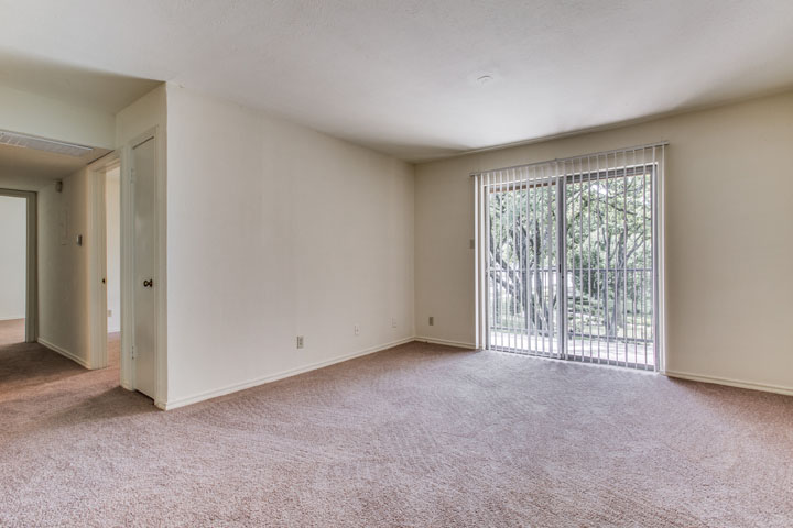 Living at Listing #137522