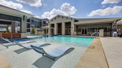 Pool at Listing #282543