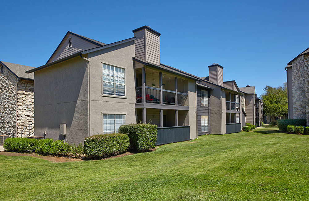 Exterior at Listing #136892