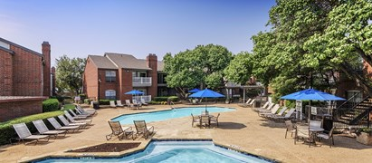 Colonial Village at Grapevine Apartments Grapevine TX