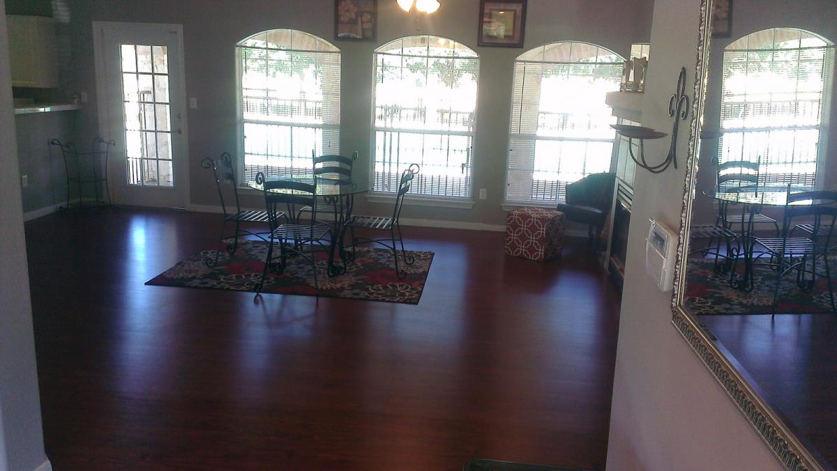 Lounge at Listing #140660