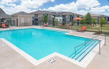 Pool at Listing #289057