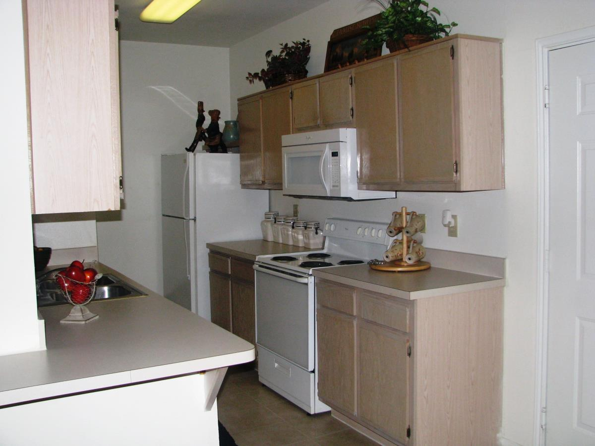 Kitchen at Listing #137620