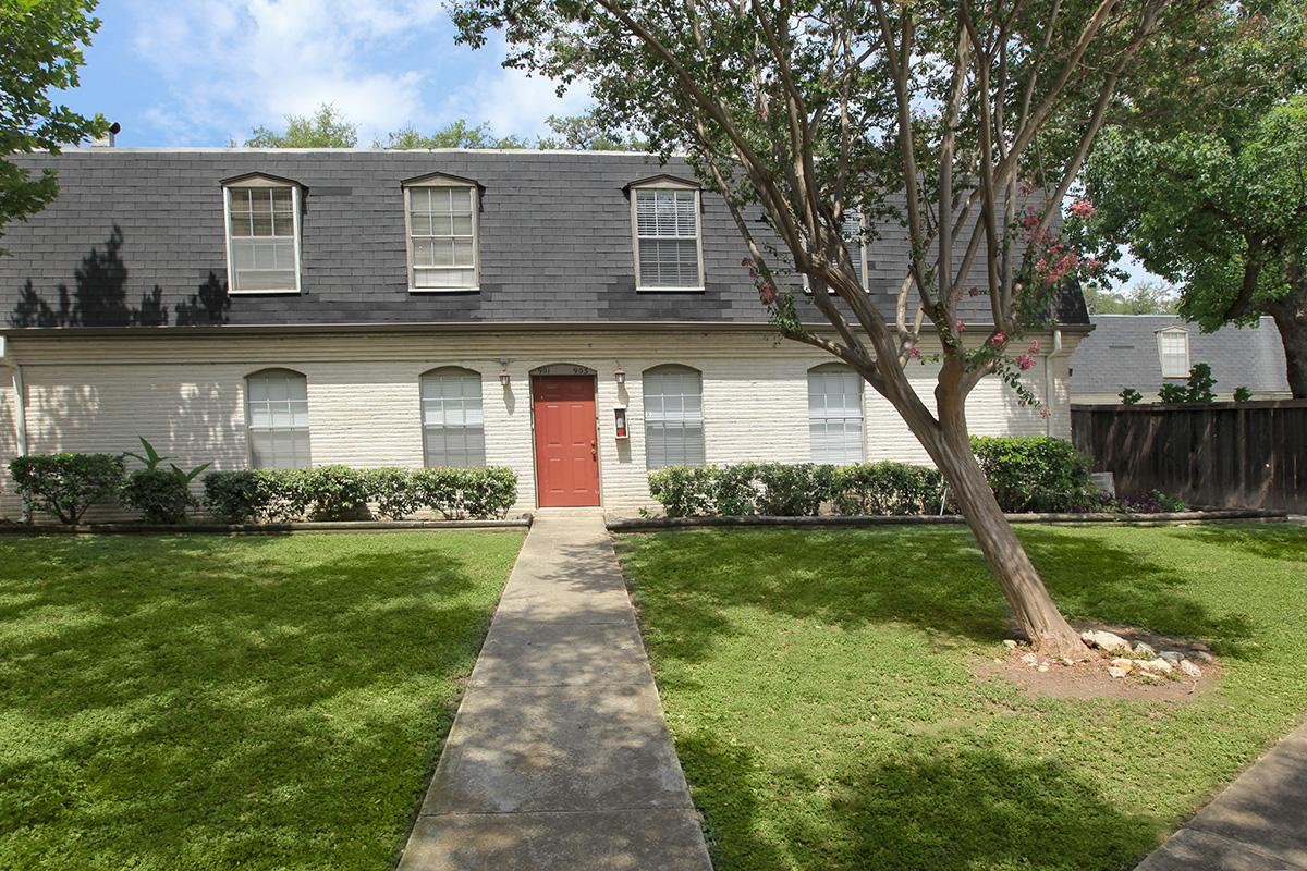 Exterior at Listing #141014