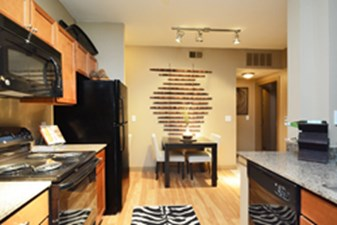 Dining/Kitchen at Listing #147727