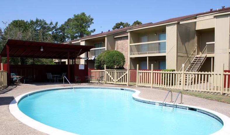 Pool at Listing #139374