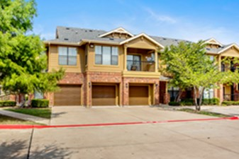 Exterior at Listing #138152