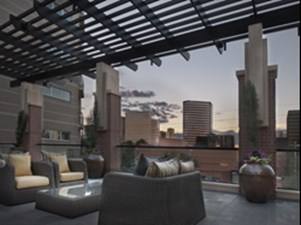 Lounge at Listing #152990