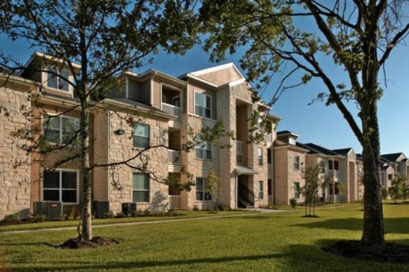 Oak Park Trails Apartments