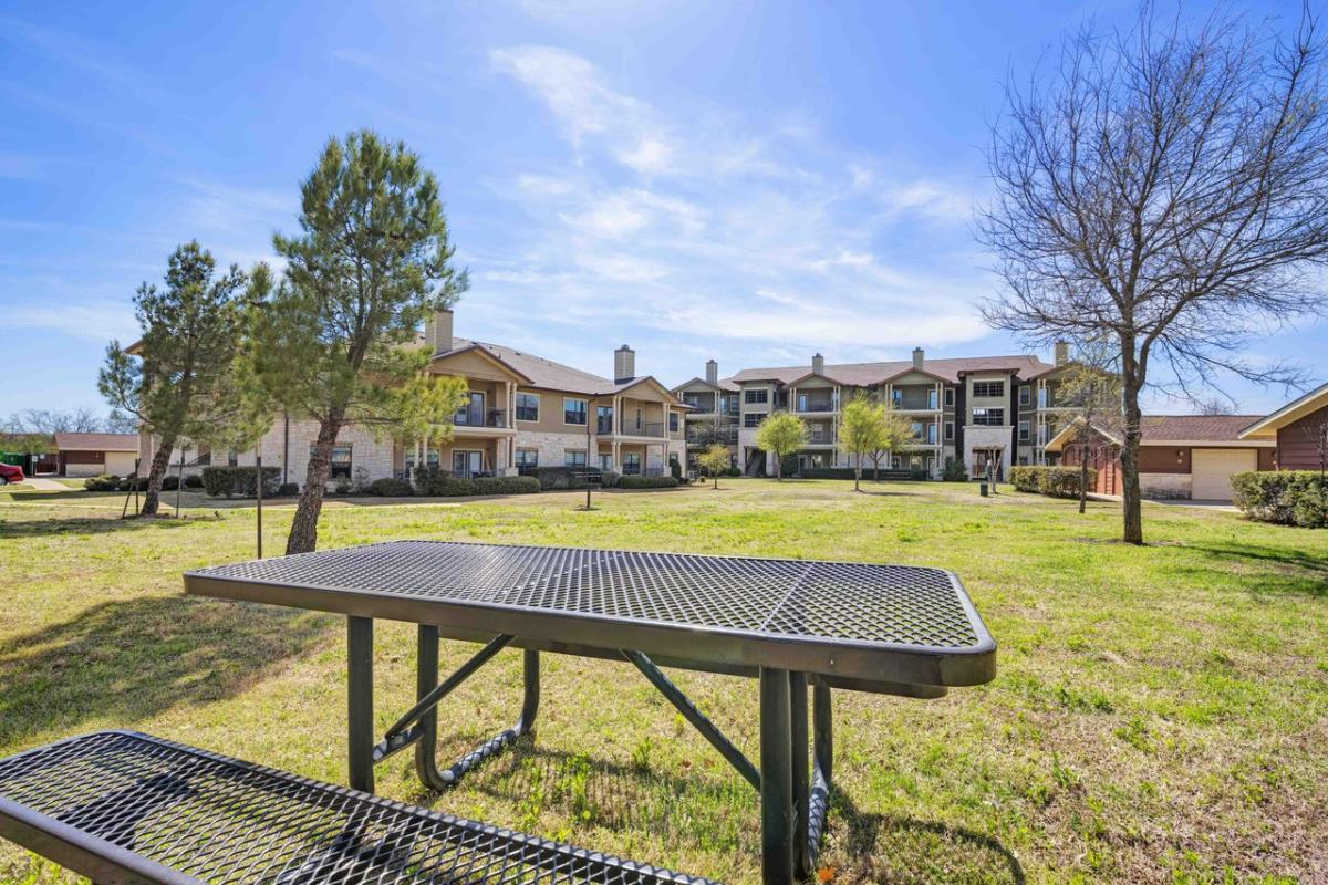 Picnic Area at Listing #146200