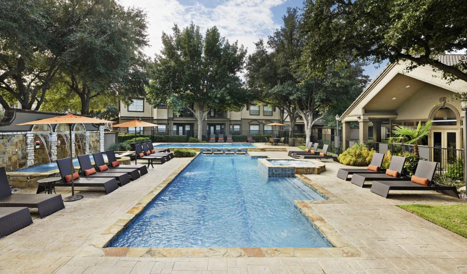 Pool at Listing #137614