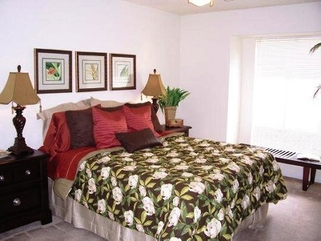 Bedroom at Listing #139868