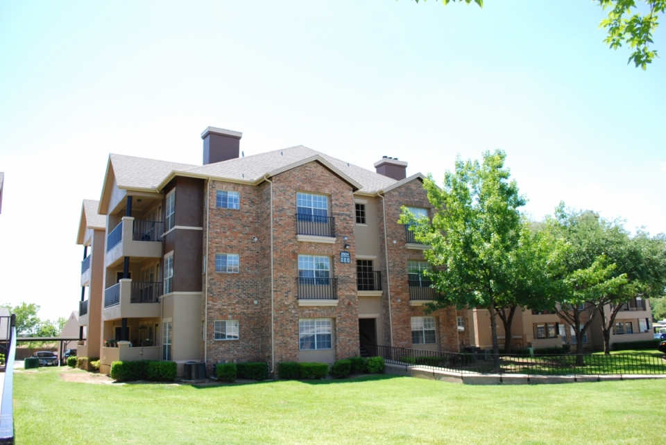 Palmer at Las Colinas Apartments