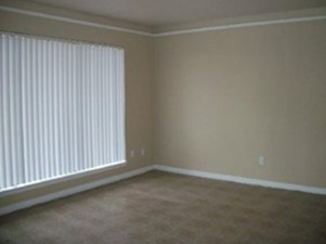 Living at Listing #139580