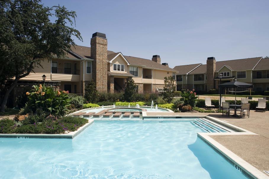 Pool at Listing #135879