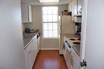 Kitchen at Listing #140396