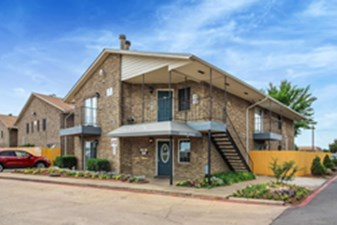 Exterior at Listing #136439