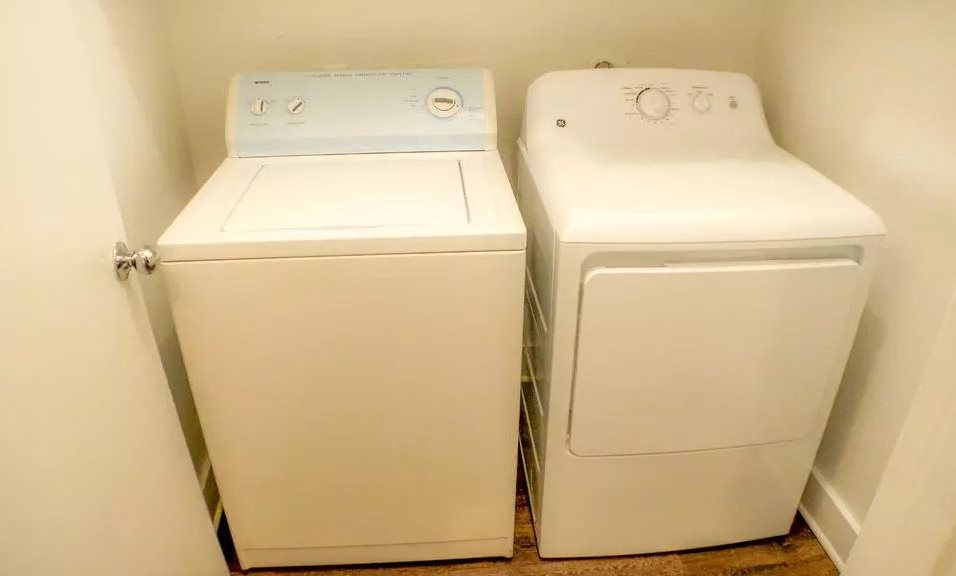 Laundry at Listing #136638