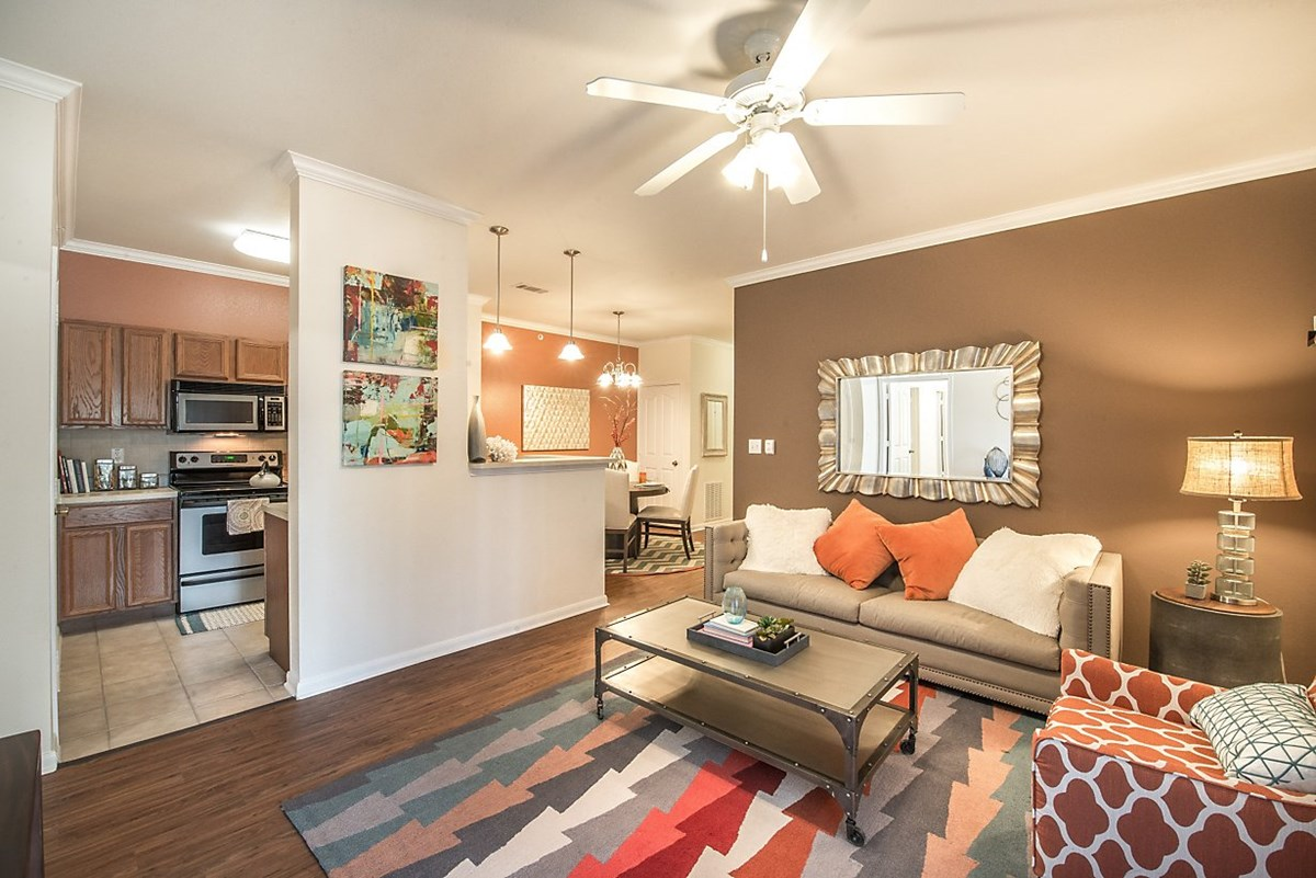Living Area at Listing #144567