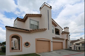 Exterior at Listing #141449