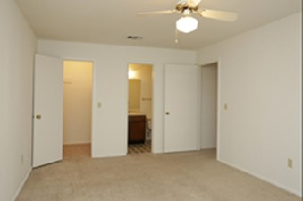 Bedroom at Listing #212436