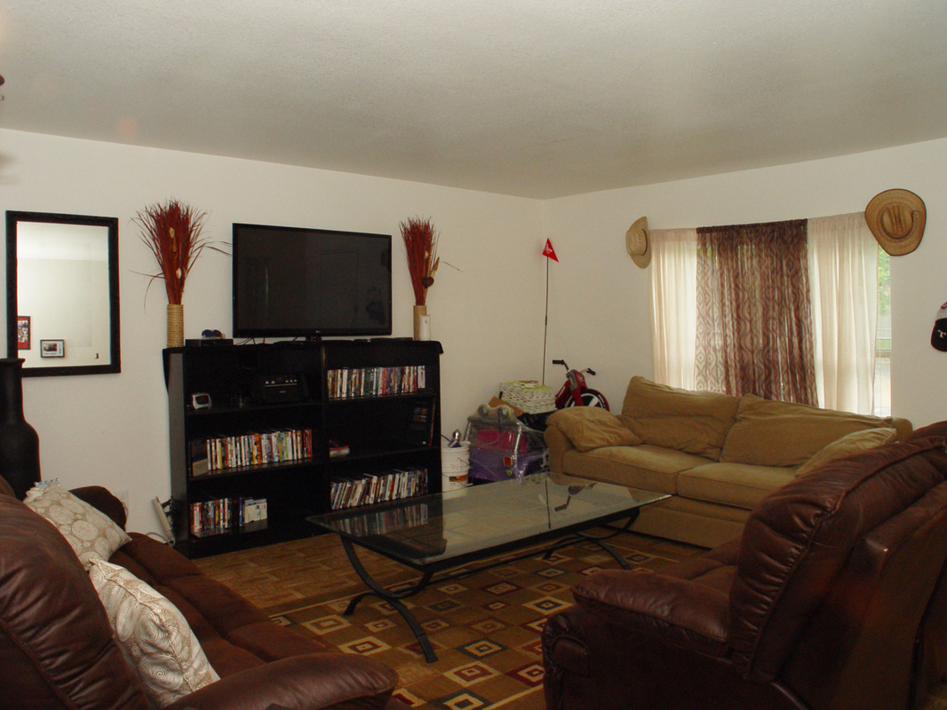 Living Area at Listing #283125