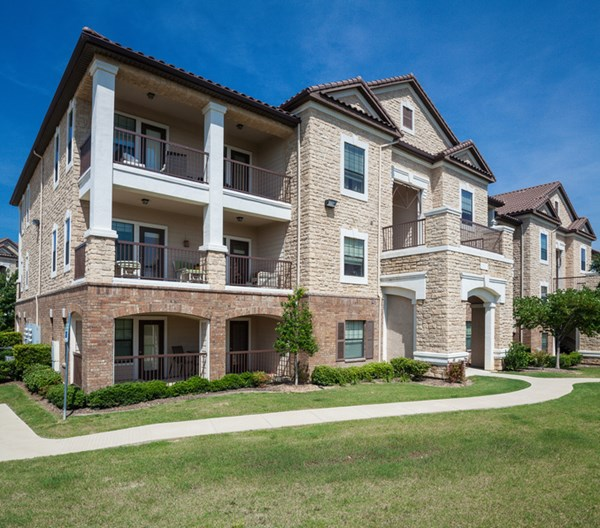 Avington Park at Fossil Creek I & II Apartments