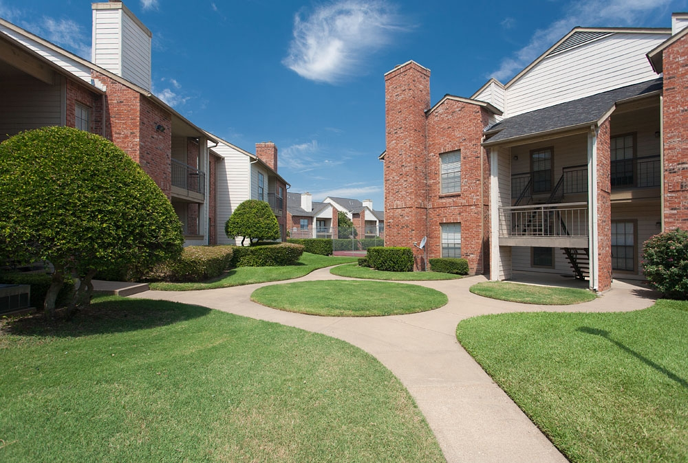 Summer Meadows Apartments Plano TX
